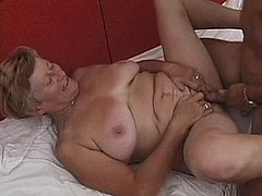 Kinky granny gets her cunt fucked 0 mature sex pics