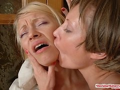 Mature lezzies lick each other's juicy holes 0 mature sex pics